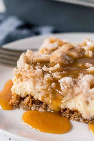 Salted-Caramel-Apple-Cheesecake-Bars